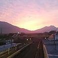 黒姫駅の跨線橋からの夕焼け